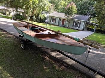 1963 Snipe 12402, Racing Dinghy Sailboat, Gerber Boat Works NYC, Mahogany Laminate, All original