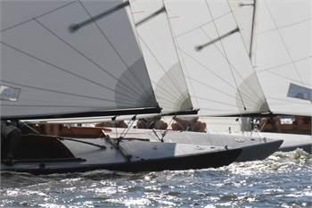 Fleet of six, 30 ',   International 210s