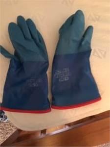 Atlas Winter Gloves - good condition